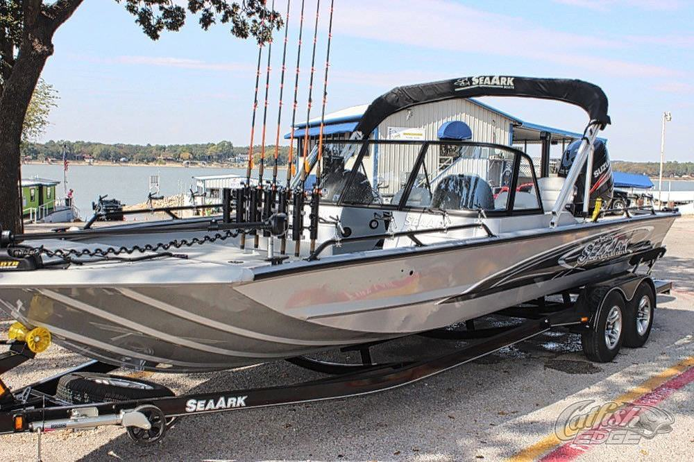 Seaark procat 240 catfish boat the ultimate catfish rig for Fishing pole ark
